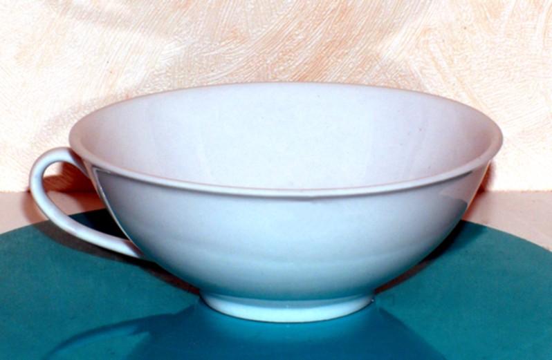 Čajový šálek s podšálkem. ''Nippon'' - Bílý. Porcelán
